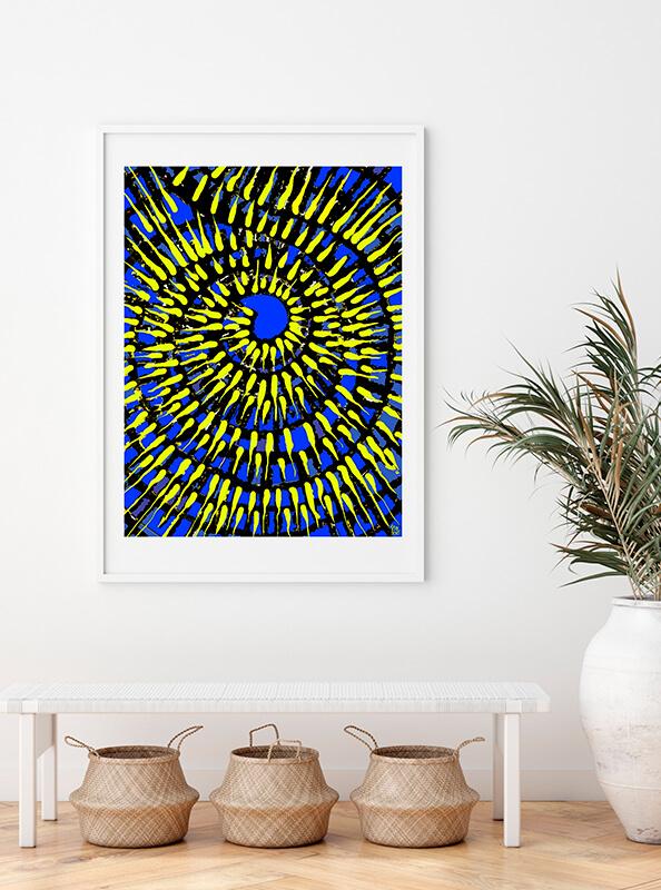 Espiral de vivos colores adornando una sala